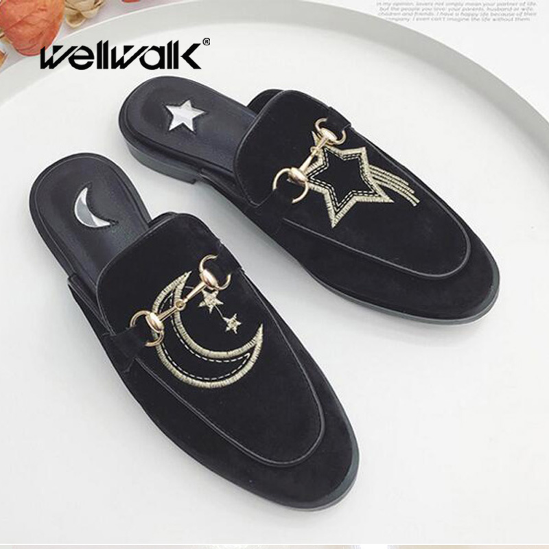 2018 Women's Slippers Lady Mules Fashion Pointed Toe Suede Embroidery Flat Mules Moon Star Slides Casual shoes Women Slipper insect embroidery flat mules