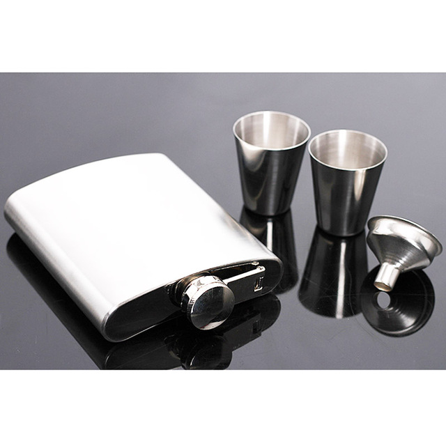 Hot sale portable stainless steel hip metal flask sets gift travel whiskey alcohol liquor bottle flagon Male Small Mini Bottles