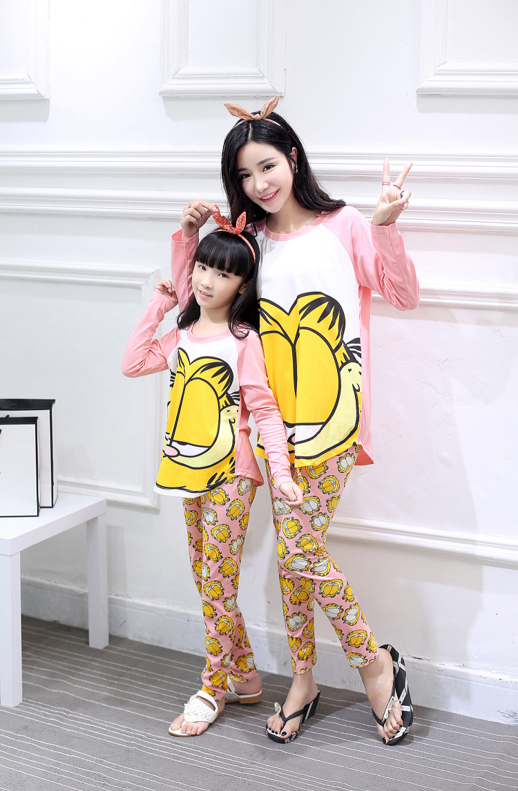 Mother Daughter Matching Nightwear Set - Tshirt and Pajamas | 2 Models