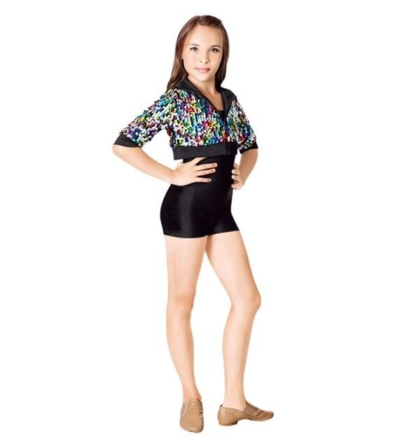 Unico esemplare femmina con cappuccio abbigliamento abiti for Cappuccio da cabina da ballo