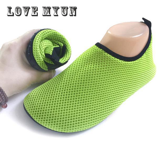 Mesh beach swimming shoes sandals summer female skin soft breathable shoes barefoot shoes shoes treadmill wading diving lovers