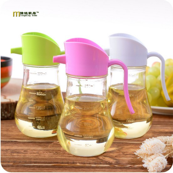 1PC 250ml Oil Bottles Auto Flip Glass Soy Sauce Vinegar Seasoning Bottle Oiler Against Dust Ble Proof Kitchen Tools LF 103