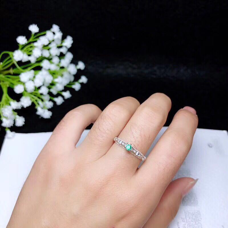 Luxurious Emerald Ring 3 Mm 0.2 Ct Natural Emerald Silver Ring Solid 925 Silver Gemstone Ring For Engagement