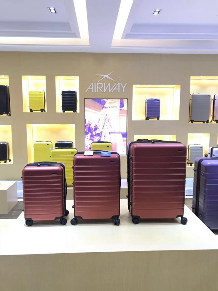 Cuento de viaje de alta calidad, ultra ligero, maleta de viaje elegante y simple de 20/24/28 pulgadas-in Equipaje de ruedas from Maletas y bolsas    2