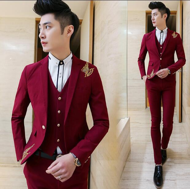 New Red Men Suit Gold Emboridery Men Suits Blazer 2018 Stylish Notch Lapel Men Suit Slim Fit Terno Masculino (Jacket+Pants+Vest)