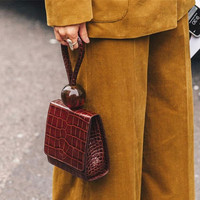 Bags for women 2019 spring and summer new niche design round beads portable crocodile pattern retro small square bag s