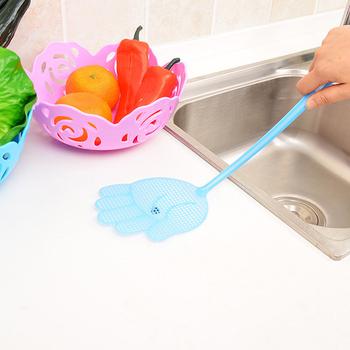 1 sztuk śliczny wzór dłoni plastikowe Fly Swatter lekki gospodarstwa domowego klapy Mosquito łapka na owady Pest Control gadżety kolor losowo tanie i dobre opinie Kwiat Random Plastic Fly-swatter 40 * 11 * 0 7cm