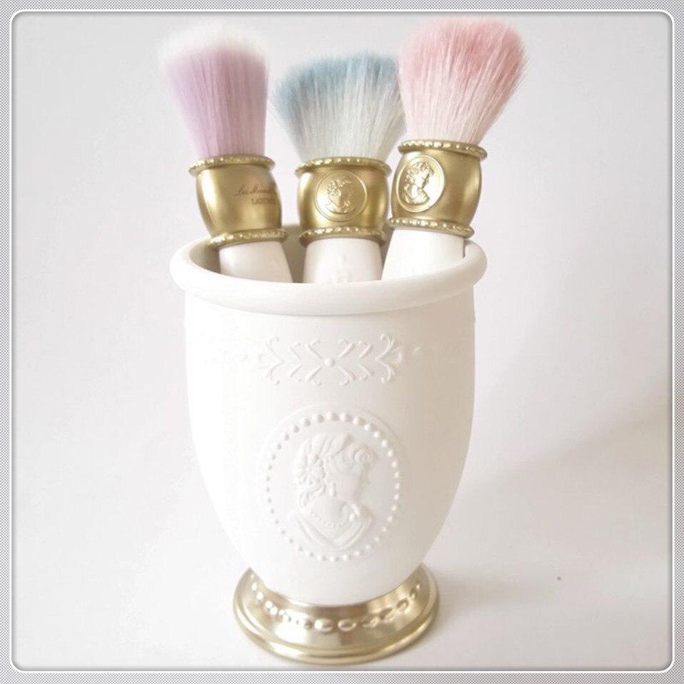3 Makeup Organizer