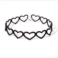 Free shipping! Popular ornaments retro black Korean velvet hollow peach heart clavicle necklace original section choker collar