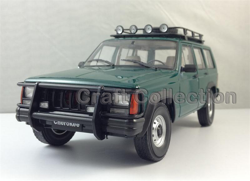 * Green 1/18 Car Model for Jeep Cherokee 2500 Off Road Vehicle SUV Alloy Toy Car