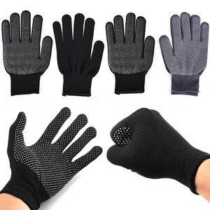 Image 3 - 2 adet profesyonel isıya dayanıklı eldiven saç şekillendirici aracı Curling düz düzleştirici siyah ısı eldiven bukle makinesi
