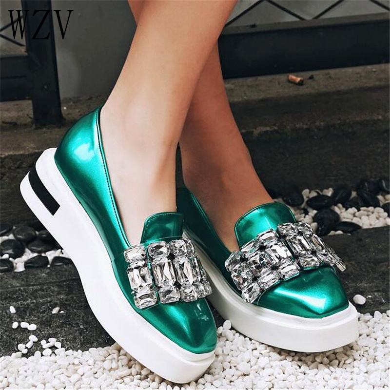 Pearly Lustre Rhinestone Women Flats Shoes 2019 Spring Fashion Creepers Shoes Lady Loafers Ladies Slip on Platform Shoes WomanPearly Lustre Rhinestone Women Flats Shoes 2019 Spring Fashion Creepers Shoes Lady Loafers Ladies Slip on Platform Shoes Woman