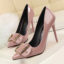 2016 Autumn New Women Pumps Thin High Heels Shoes Sexy Pointed Patent Leather Metal Belt Buckle Women Heeled Stilettos