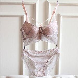 Image 1 - Sexy Mousse Borduurwerk Dunne Cup Strap Bras Ondergoed 2017 Mode Push ap Bras en Panty Set Voor Vrouwen