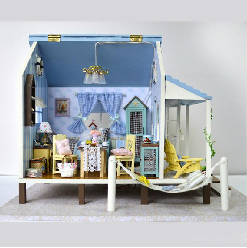 themes in a dolls house