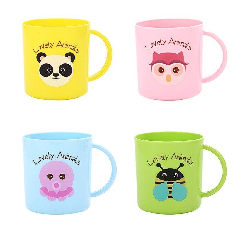 Kids Cup Plastic Newborn Anti-Fall Drinking Cups Cartoon Animals Printing Reusable Drinking Cup With Handle Random Ship
