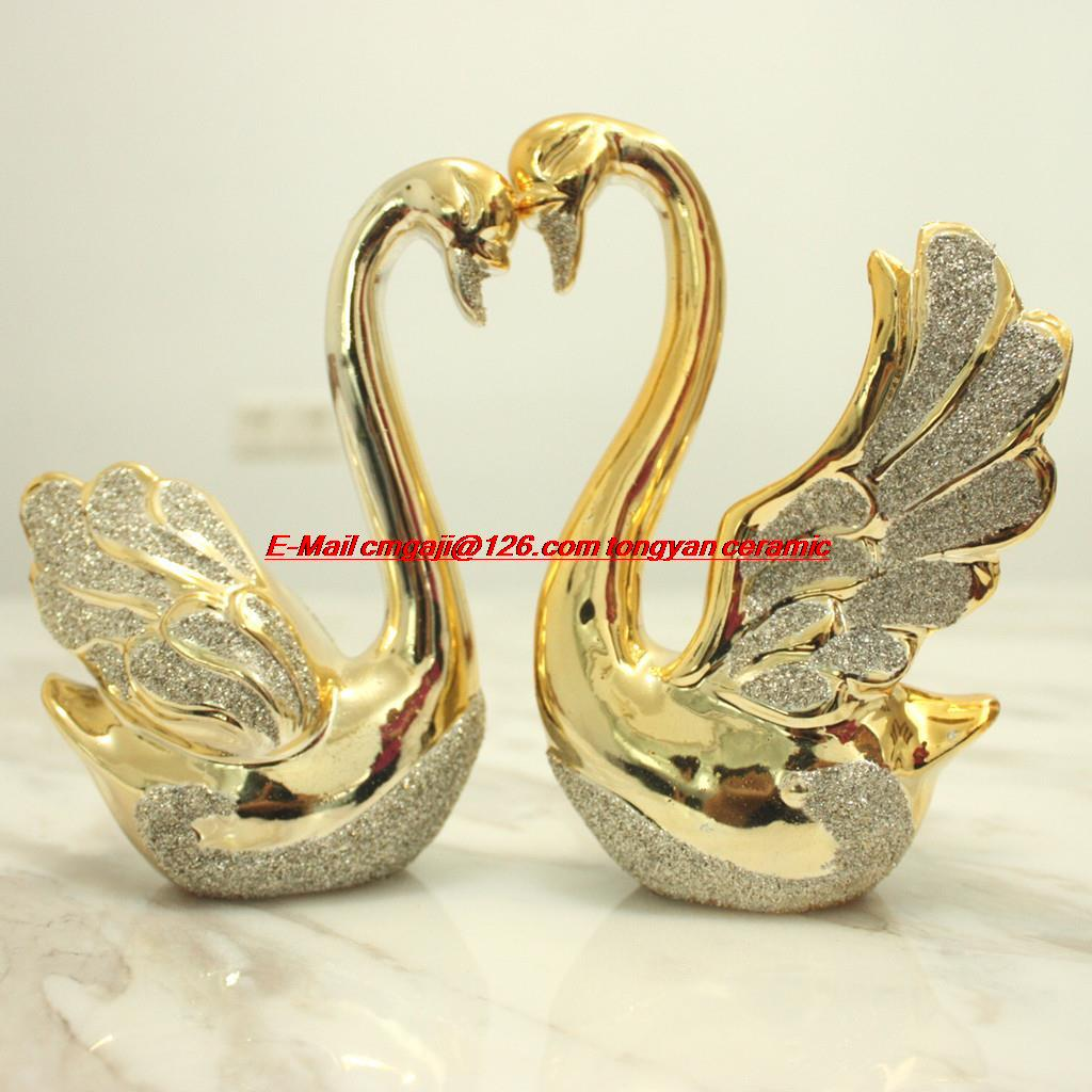 Wedding Gift Ideas For The Couple: Ceramic Couple Swan Ornaments Crafts Modern Minimalist