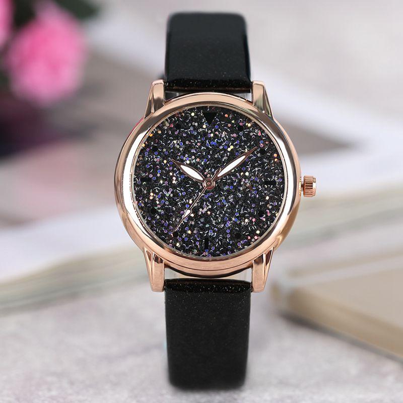 Luxury Women's Watch Heart Glitter Flake Dail Quartz Watches Paillettes Blink Ladies Watch Modern Sequin Elegant Wrist Watch
