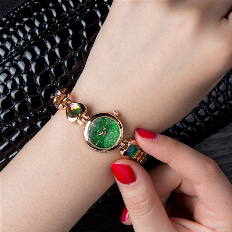 2018 Watch Women Gold Vintage Luxury Clock Women Bracelet Watch Ladies Brand Luxury Stainless Steel With Rhinestones