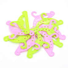 Dolls clothes accessories green pink plastic American newborn hangers Baby toys fit 18 inch Girls doll and 43 cm baby dolls c498