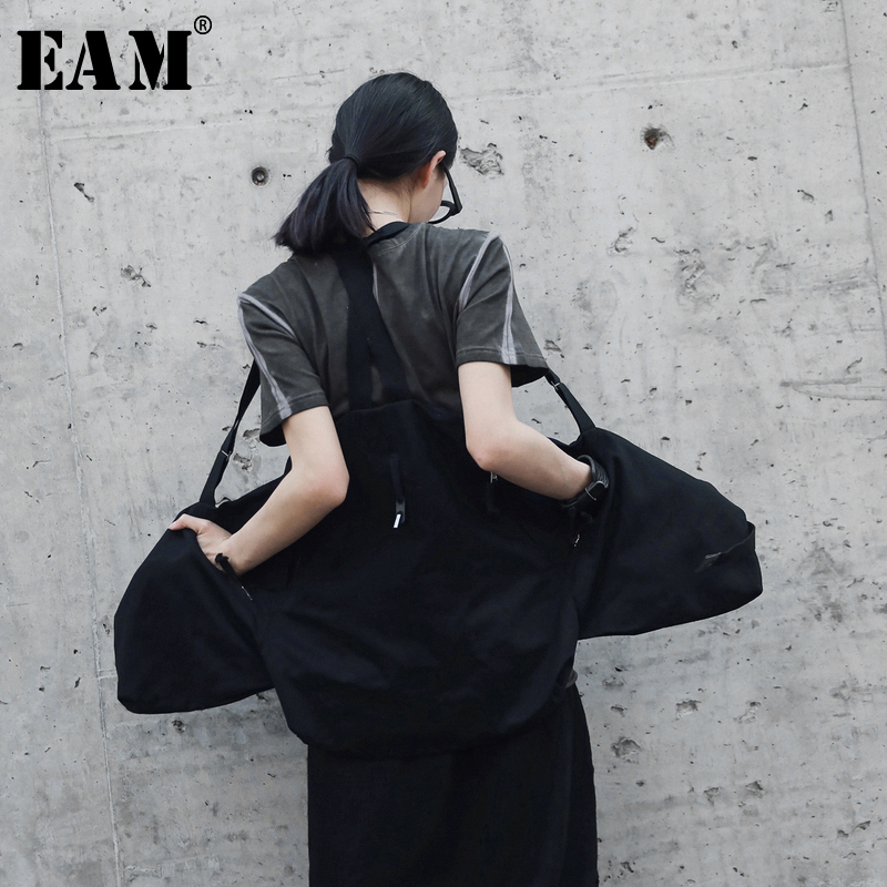 [EAM] 2018 New Autumn Summer Fashion Tide Black Simple All-match Adjustable Waist Pockets Sequined Woman Strap Vest S604