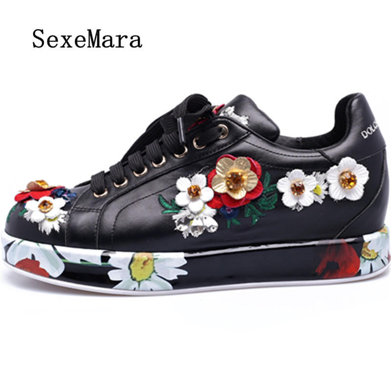 ФОТО SEXEMARA 2017 New Woman Embroider Casual Shoes Genuine Leather Round Toe Muffin Flat Shoes Spring Casual Fashion Women Flats