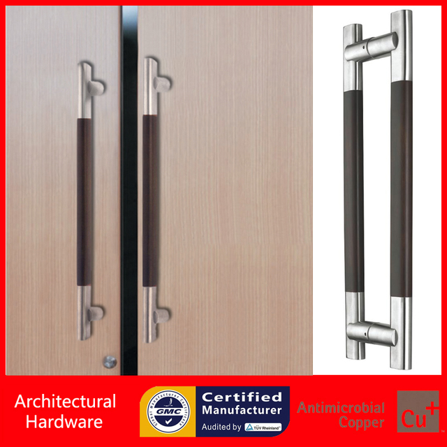 Tirador de puerta de entrada de madera maciza para el for Manijas para puertas de madera