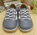Hand-made Light Grey Menino Sapatilha Sola Squeaky Shoes Primavera Outono Antiderrapante Sapatos de Criança Frete Grátis