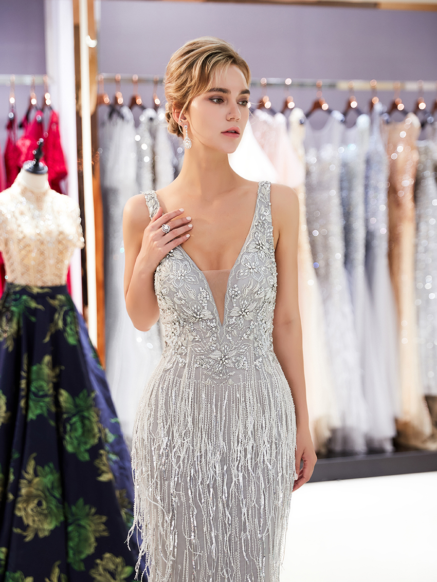 2019 Grey Evening Dress Beaded Evening Gown Women Party Dresses V Neckline  Feather Dresses Luxury New Arrival caf3f1936bf9