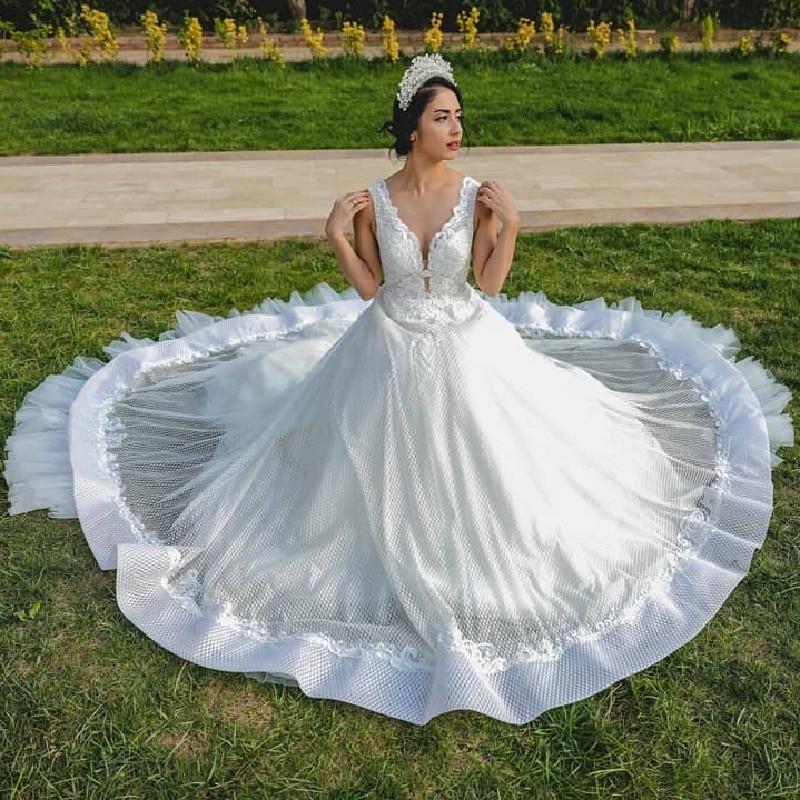 Stunning White Tulle Wedding Dresses For Women 2019 Sexy V Neck A Line Applique Lace Long Bridal Dress Gown New Vestido De Noiva