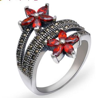 S925 sterling silver  woman  flowers ring  inlaid Marcasite Ring