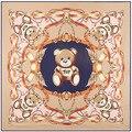 130 cm * 130 cm JUGUETE del oso de la historieta de Seda bufandas 2017 bufanda de las mujeres de lujo marca pañuelos foulard femme chales y bufandas venta A139