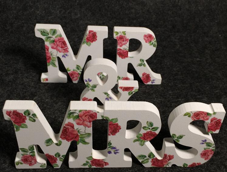 1Set Wood Mr & Mrs Letters Printing Rose For Sweetheart Table Ornaments Wedding Decoration Photography Props