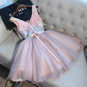 Image 2 - Short Prom Dresses Walk Beside You Ball Gown Pink Gray Sequined V neck Elegant Evening Formal Party Gown vestido formatura curto