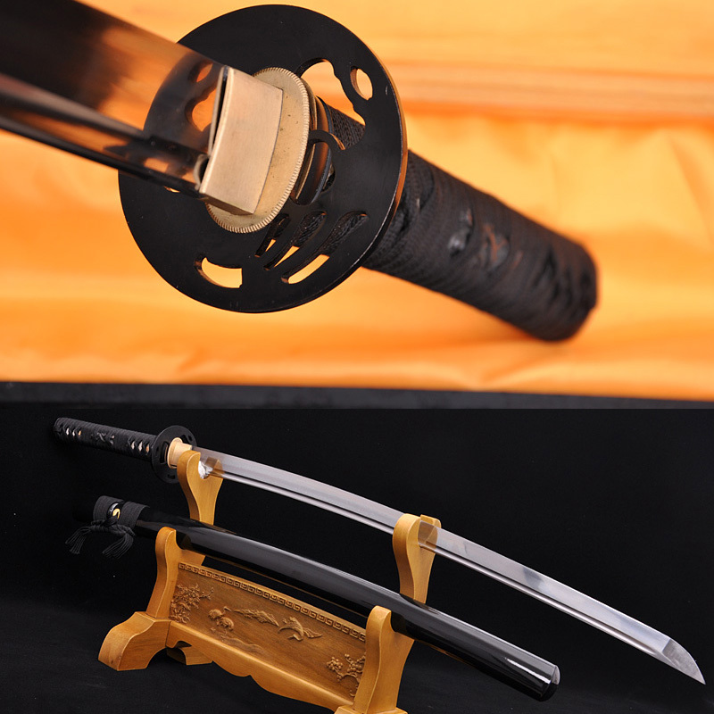 0209ea6de39e5 اليدوية اليابانية السامرائي السيف معركة جاهزة الحديد تسوبا عالية الكربون  كاتانا شارب