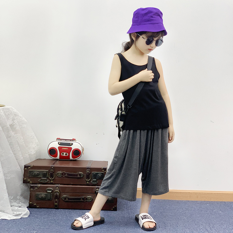 Girls Suit Summer 2019 New Sleeveless vest T-shirt Loose Leisure Seven-cent Broad-legged Pants Kids Two-piece SuitGirls Suit Summer 2019 New Sleeveless vest T-shirt Loose Leisure Seven-cent Broad-legged Pants Kids Two-piece Suit