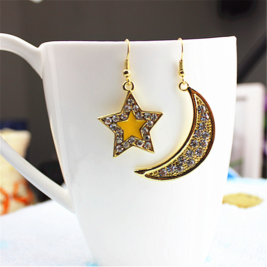 2018 new fashion gorgeous women jewelry wholesale Girl Birthday Party star moon type earring agent shipping