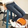 Elasticidade Cashmere Quente calças de Ganga para mulheres Grandes Jeans Preto Com calça jeans de Cintura Alta Cintura Elástica calças jeans femininas de inverno para As Mulheres