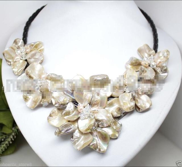Hot sale new Style >>>>> Natural Pearl Crystal MOP Shell Mother of Pearl 5 Flowers Pendant Necklace 18""