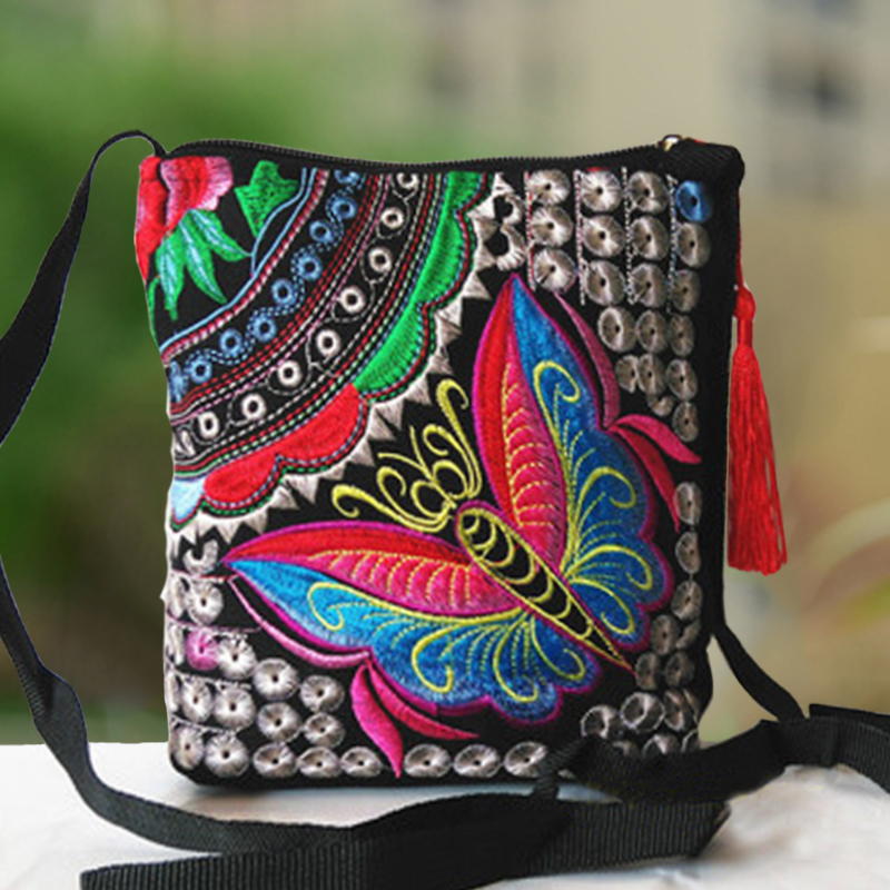 2018 Chinese National Ethnic Style Messenger Bag Vintage Floral Embroidered Cute Canvas Crossbody Bag Girls Small Phone Bags vintage ethnic canvas messenger bag women chinese style shoulder bag female casual national bag mujer embroidery crossbody bag