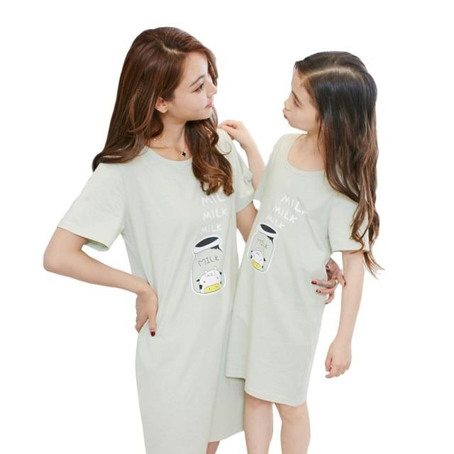 more photos 99d69 7590c Zomer Meisjes Nachtjapon Pyjama Nachthemd 2017 Mama en Dochter Katoen  Nachtkleding Leuke Baby Meisjes Cartoon Kleding Homeclothes in Zomer  Meisjes ...