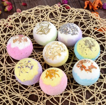 60pcs/lot Natural Bubble Dried Flower Essential Oil Bath Salts Moisturizing Explosive Bath Supplies Skin Care HA452