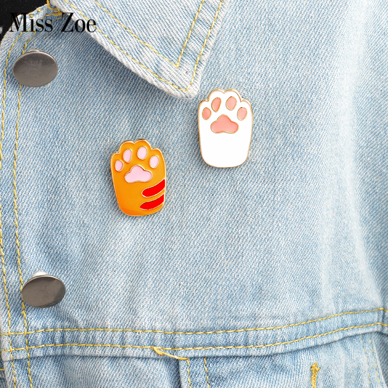 Miss Zoe 2pcs / set Broche émail Mignon Dessin Animé Orange Chat Blanc Chaton Patte Broche Broches DIY Badge Cadeau Bijoux pour femmes fille enfants