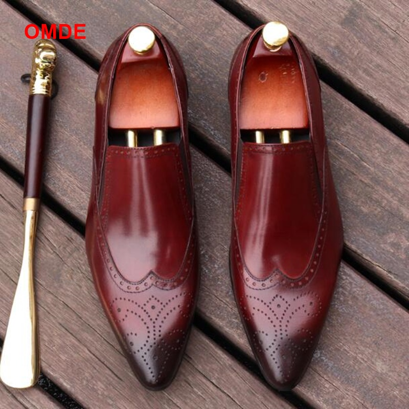 OMDE British Carved Pointed Toe Business Formal Shoes Men Fashion Brogue Loafers Slip On Genuine Leather Mens Dress Shoes цена