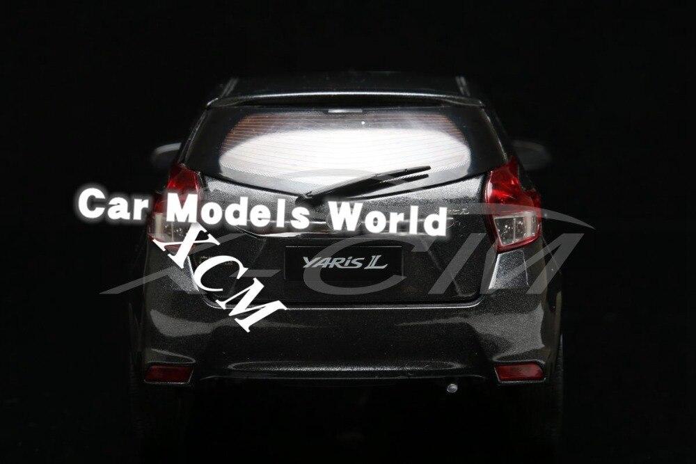 Modèle de voiture moulé sous pression pour Yaris 1:18 (gris) + petit cadeau!!!!-in Jouets véhicules from Jeux et loisirs    2