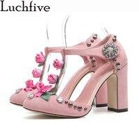Розовый черный Для женщин Туфли лодочки с заклепками высокий толстый каблук Мэри Джейн украшенные цветами женские свадебные туфли на день