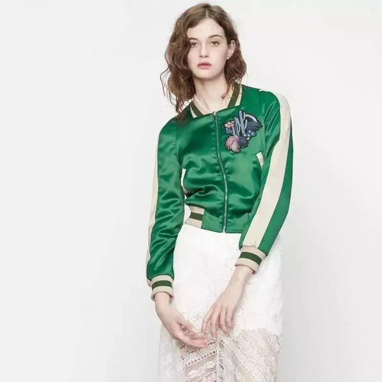 Primavera moda mujer chaqueta de cuello alto verde Satén Flores bordado uniforme