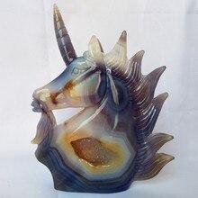 UNA pietra Naturale agata cristalli cluster intaglio unicorno teschio di cristallo creativo scultura decorazione della casa nobile e puro