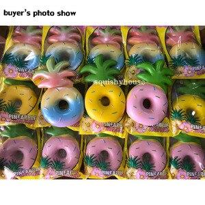 Image 5 - 1PC הקמעונאי Vlampo אננס Donut רטוב Squishies 16CM איטי עולה רטוב צעצועי קשת ורוד צהוב מורשה המקורי PU קצף