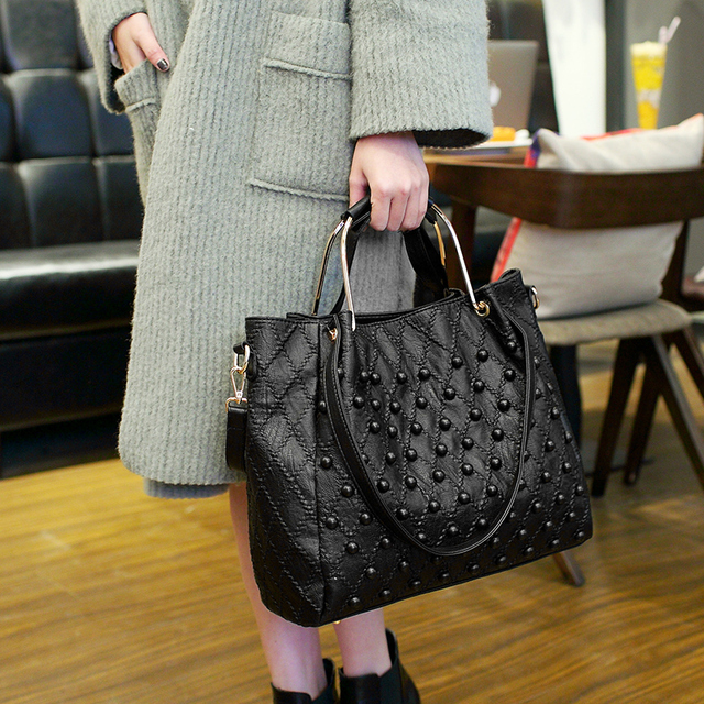 Korean Winter New Women Real Leather Purse and Handbag Big Tote Bags Rivet  Designer New Design shoulder bag 859 cfcbfea8cb24d